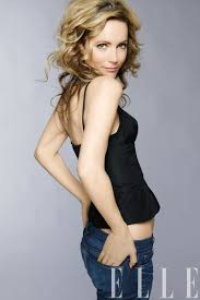 change of hairsyle 40 years old leslie mann on being hollywood s reigning funny girl leslie mann