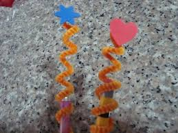 how to make pencil toppers using pipe cleaners kids crafts