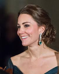 kate middleton diamond earrings let s talk about kate middleton s emeralds the adventurine