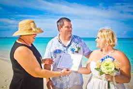 destination wedding packages eloping to a tropical destination wedding check out these