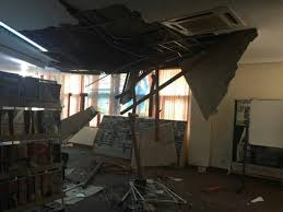 earthquake bali 2017 bali hit by m5 5 earthquake panic among residents buildings