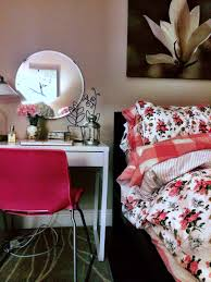 Ikea Vanities Bedroom Rosy Casual Chic Decor Ikea Malm Micke Diy Pink Bedroom And Vanity