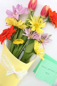 paper wrapped flowers easy scrapbook paper wrapped flower bouquets smashed peas carrots
