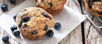 apprendre a faire la cuisine muffins surprises aux bleuets faire la cuisine permet aux enfants