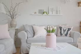 deko in grau wohnzimmer deko grau abschließende on wohnzimmer plus dekoration