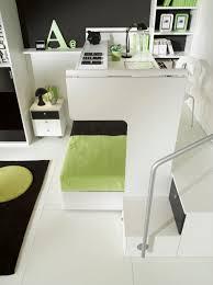 lit gigogne avec bureau bureau en bois contemporain avec lit gigogne pour enfant