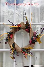 diy wreath craft with matching table centerpiece for thanksgiving