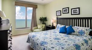 photo gallery accommodations in kingston resorts in myrtle beach kingston plantation villa master bedroom