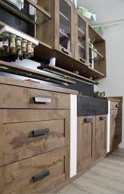 cuisine vieux bois cheval blanc sur mesure made in trouillet cuisine