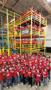 spirit halloween district manager salary dsw inc great place to work reviews