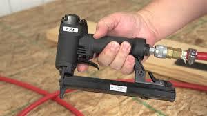 Upholstery Electric Staple Gun Eze Tc 08 Staple Gun 1 2 Inch Crown Demo Youtube