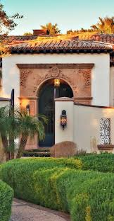 Front Porches On Colonial Homes by Best 20 Spanish Colonial Homes Ideas On Pinterest Spanish Style