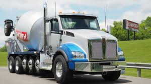 first kenworth truck photo gallery kenworth shows off new options technology for t680
