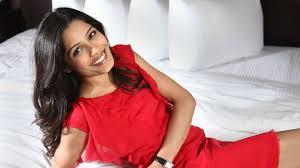 priyanka chopra pantene shoot 5k wallpapers urvashi rautela with bow indian actress brunette