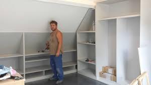 faire un dressing dans une chambre placard chambre mansarde meuble sous mansarde avec armoire mansarde