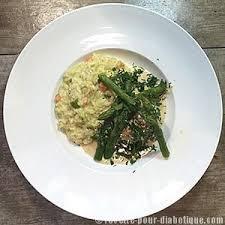 cuisiner le bar de ligne bar de ligne et risotto asperges sauce fenouil
