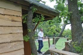 chambre d hote cabane dans les arbres stéphane a fabriqué une chambre d hôtes dans les arbres
