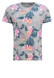 t shirt originaux homme mode homme 12 super t shirts pour un look tendance