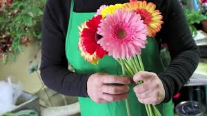 gerbera bouquet diy how to make your own wedding bouquet with gerbera daisies