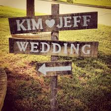 wedding signs diy 5 easy to diy rustic wedding signs emasscraft org