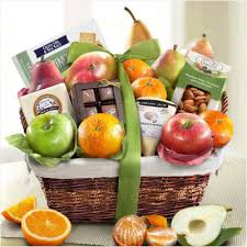 how to make a fruit basket 10 edible gifts for foodies ten gift ideas