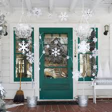 Door Decorations For Winter - 50 fabulous outdoor christmas decorations for a winter wonderland