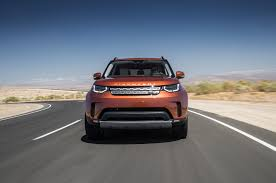 land rover suv 2018 land rover discovery 2018 motor trend suv of the year finalist
