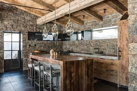 cuisine chalet montagne 12 raisons d acquérir une cuisine rustique quelques modèles inspirants