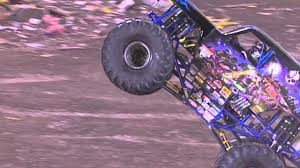 monster truck freestyle videos monster jam son uva digger monster truck freestyle from orlando