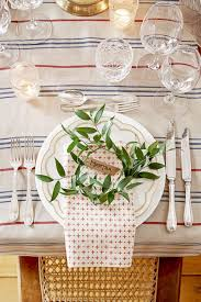 christmas table setting images 40 diy christmas table decorations and settings centerpieces