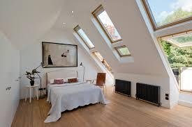 schlafzimmer mit schrge einrichten indirekte beleuchtung schlafzimmer schräge afdecker