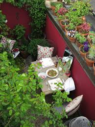 Urban Gardening Tips How To Design A Small Garden Ideas And Tips Curbed