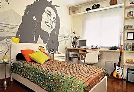 wallpaper dinding kamar pria 50 desain kamar tidur kecil yang unik sederhana desainrumahnya com