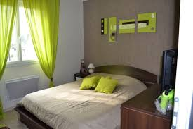 exemple chambre b chambre vert anis et taupe idees de dcoration