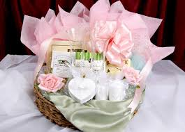 wedding gifts ideas suitable wedding gifts ideas for newly married