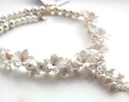 white floral pendant wedding necklace gift for woman