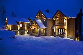 luxury ski chalet heli skiing 5 star service revelstoke bc canada