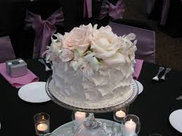 cake centerpiece 39 best wedding cake centerpieces images on cake
