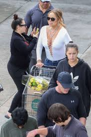 hawaii for thanksgiving mariah carey shopping on thanksgiving day in hawaii