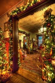 Homes Decorated For Christmas Best 25 Victorian Christmas Decorations Ideas On Pinterest