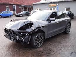 porsche macan turbo 2016 u20ac57 000 damaged porsche macan turbo is not a bargain autoevolution