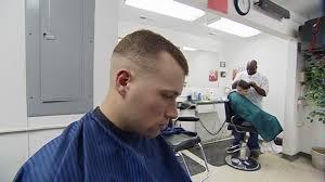 coupe de cheveux tondeuse coiffeur soldat etats unis sd stock 343 403 516