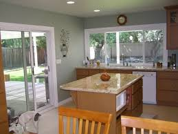 what color goes with oak kitchen cabinets pin by eubanks on kitchen kitchen wall colors oak
