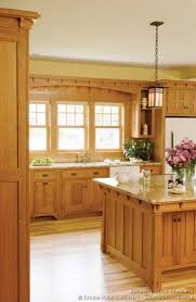 Oak Kitchens Designs Traditional Light Wood Kitchen Cabinets 05 Crown Point Com