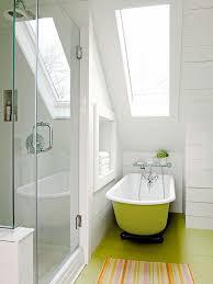salle de bain dans chambre sous comble amnagement de salle de bain sous comble une salle de bain sous