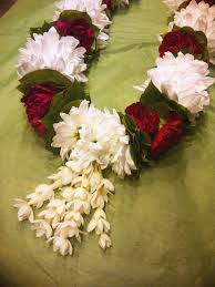 flowers garland hindu wedding fresh flower garlands for indian weddings easy fresh flower