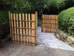 Outdoor Fence Decor Ideas by Architecture Nice Landscaping Idea With Concrete Flooring Also