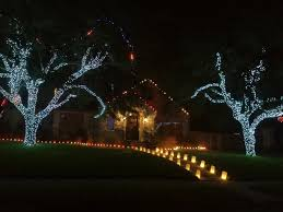 How To Put Christmas Lights On Tree by Don U0027t Miss Some Of The Best Holiday Lights Displays In Corpus