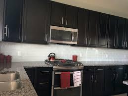 Kitchen Backsplash Glass Tile Dark Cabinets Del - White glass tile backsplash