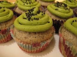 sesame cupcakes black sesame cupcakes with matcha frosting siulin s kitchen
